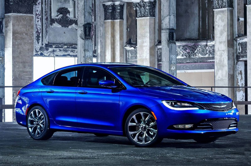 Chrysler-200-2