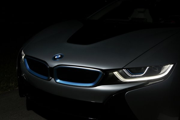 bmw-i8-laser-light-2