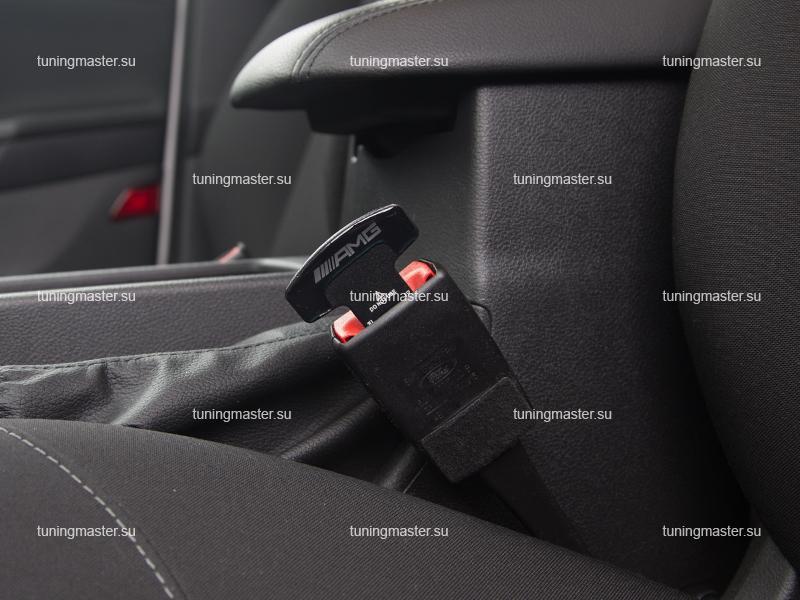 Заглушка ремня безопасности с логотипом Mercedes Benz AMG