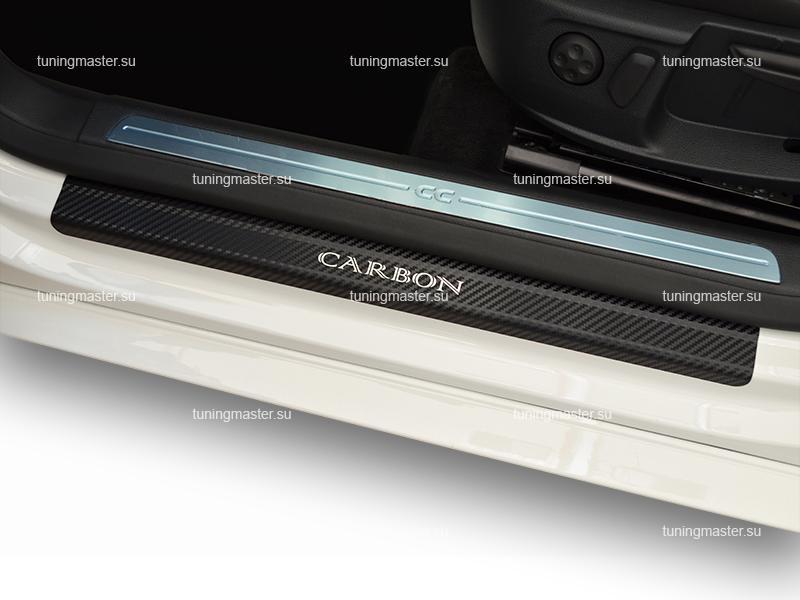Накладки на пороги Toyota Camry с логотипом (карбон)