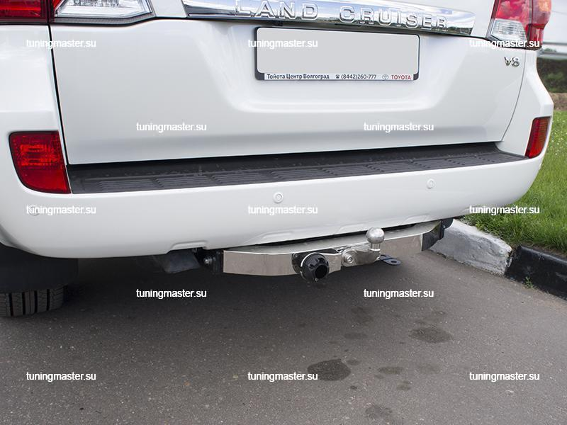 Фаркоп Toyota Land Cruiser 200 с накладкой из нержавеющей стали