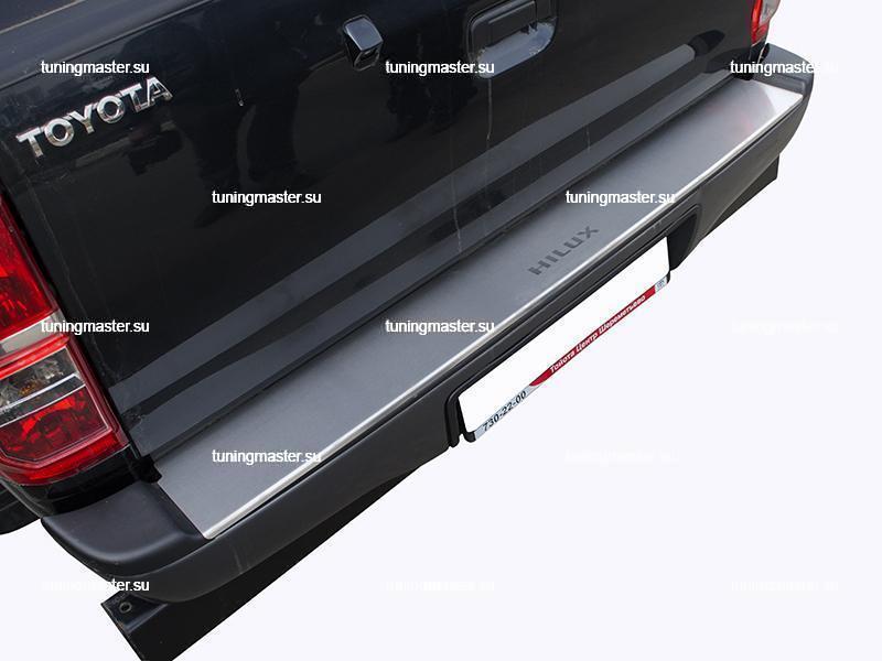 Накладка на задний бампер Toyota HiLux