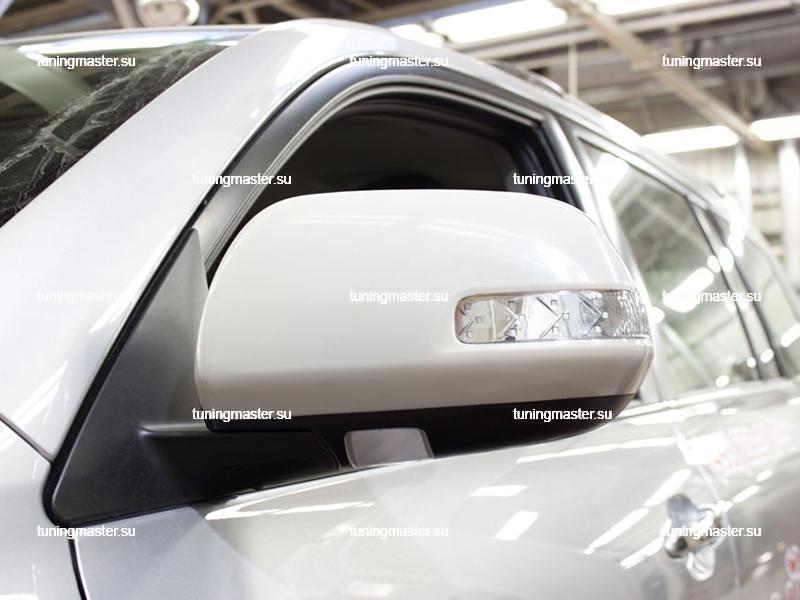 Накладки на зеркала Toyota Highlander с повторителями поворота 6