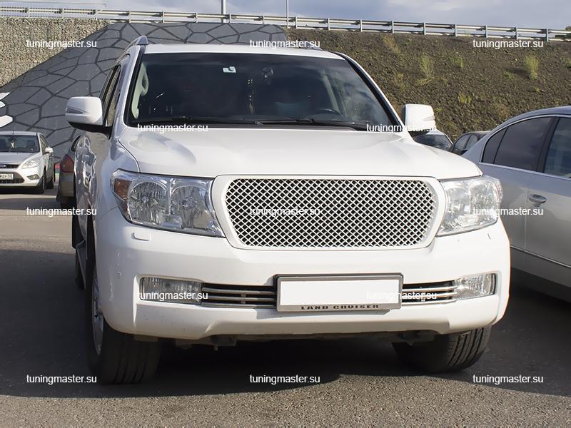 Решетка радиатора Toyota Land Cruiser 200 Bentley Style (белая)