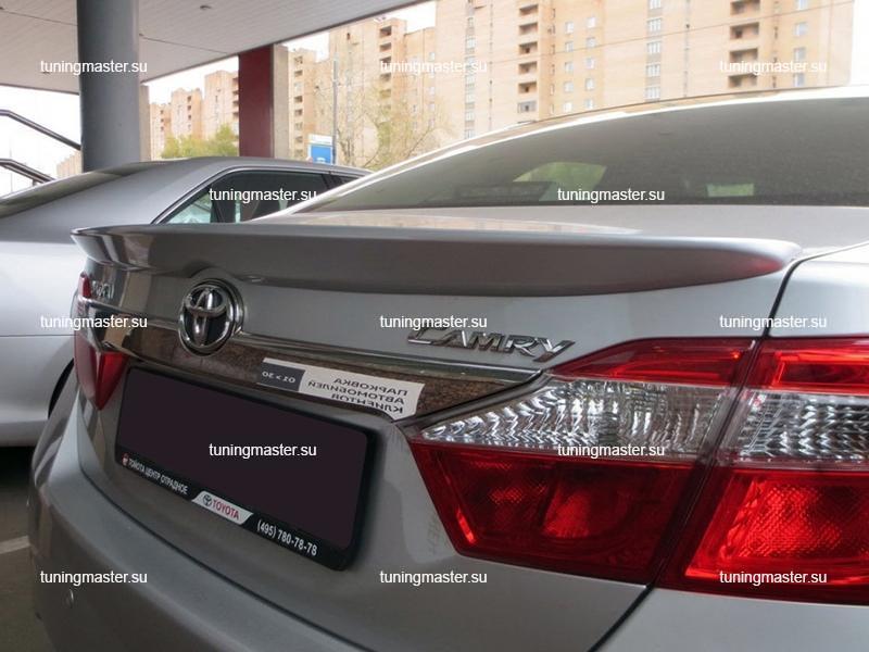Спойлер на крышку багажника Toyota Camry XV50