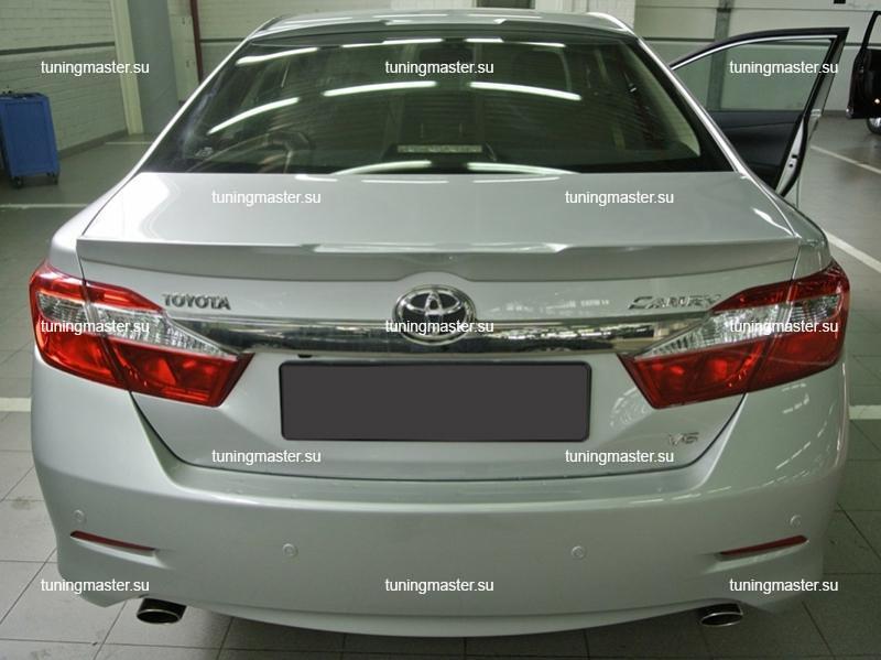 Спойлер на крышку багажника Toyota Camry V50