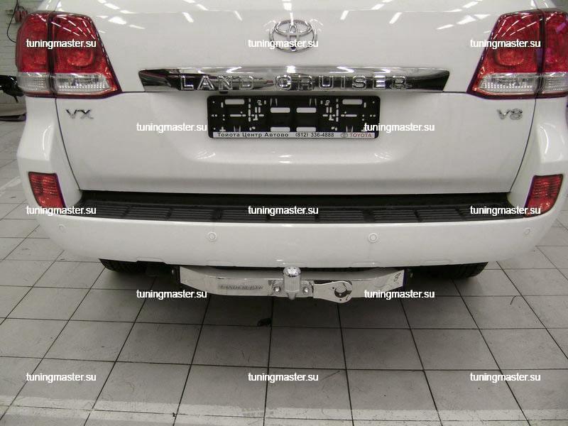 Фаркоп Toyota Land Cruiser 200 с накладкой из нержавеющей стали 2