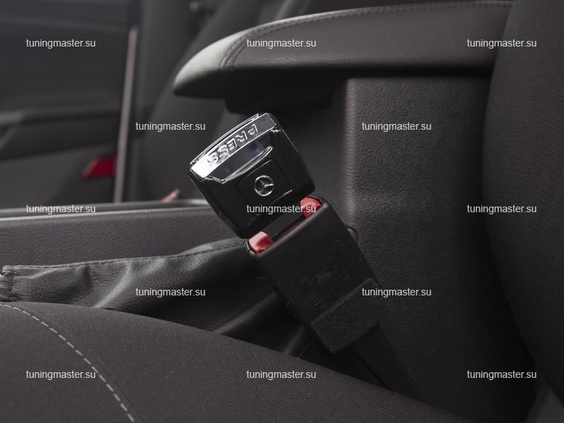Заглушка ремня безопасности с логотипом MERCEDES BENZ