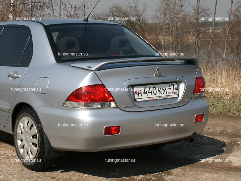 Спойлер на крышку багажника Mitsubishi Lancer 9 (стоп сигнал)