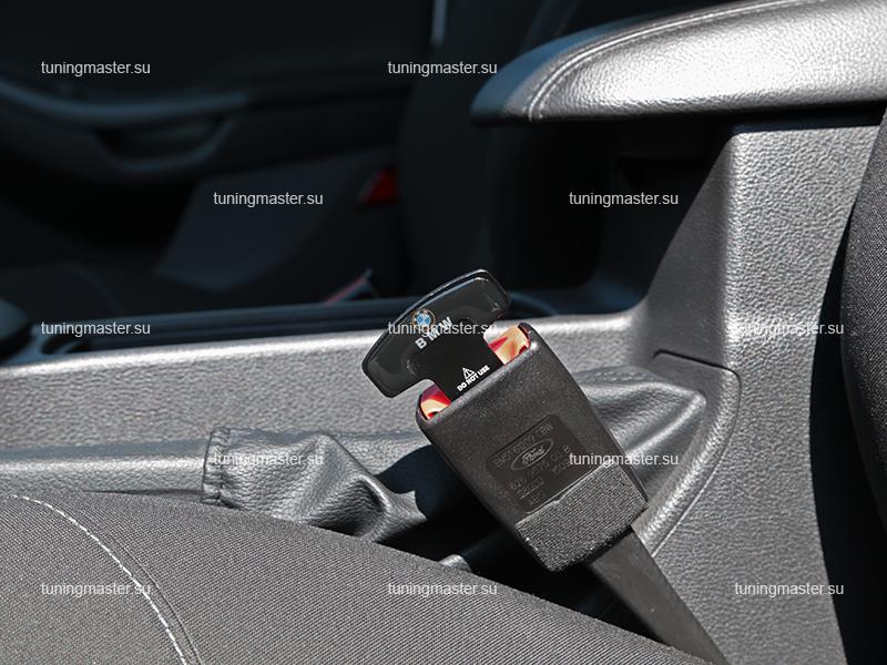 Заглушка ремня безопасности с логотипом BMW
