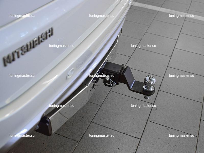 Фаркоп Mitsubishi Pajero Sport с нержавеющей накладкой (быстросъемный) 4