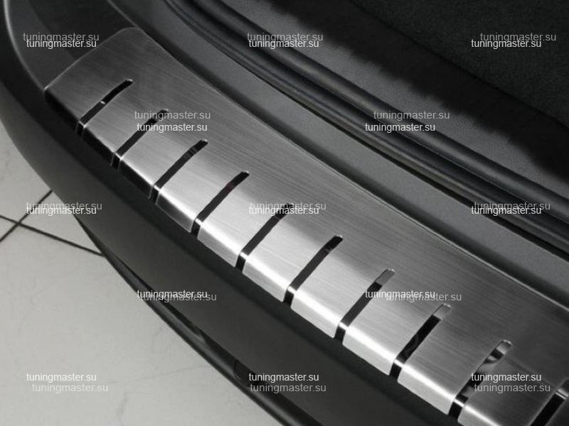 Накладка на задний бампер профирированная с загибом ALU-FROST