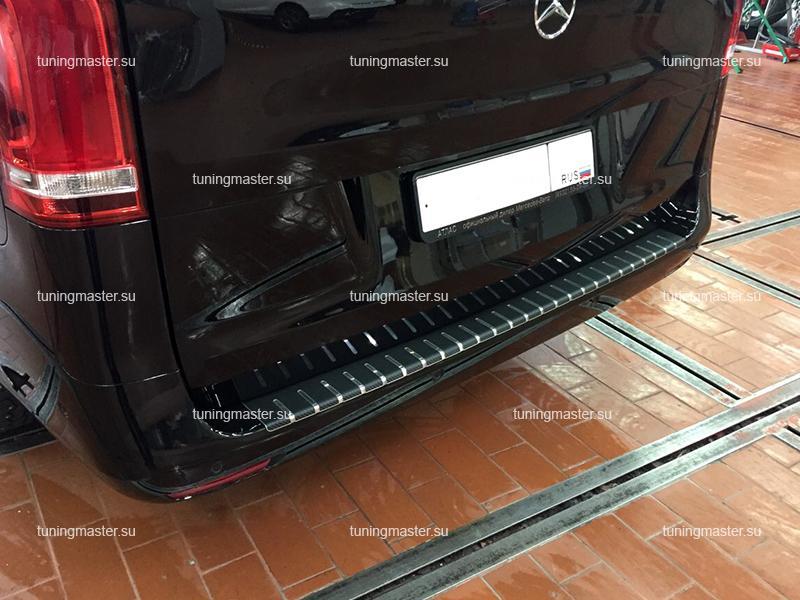 Накладка на задний бампер Mercedes Benz Vito W447 профилированная с загибом (карбон)