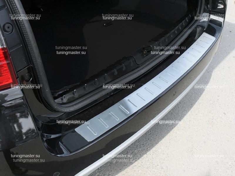 Накладка на задний бампер Nissan Terrano