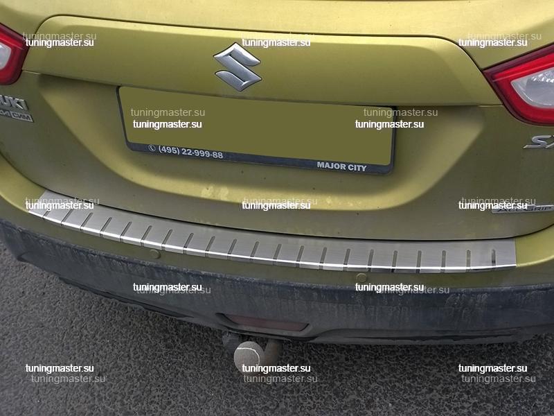 Накладка на задний бампер Suzuki SX4 S-Cross профилированная с загибом