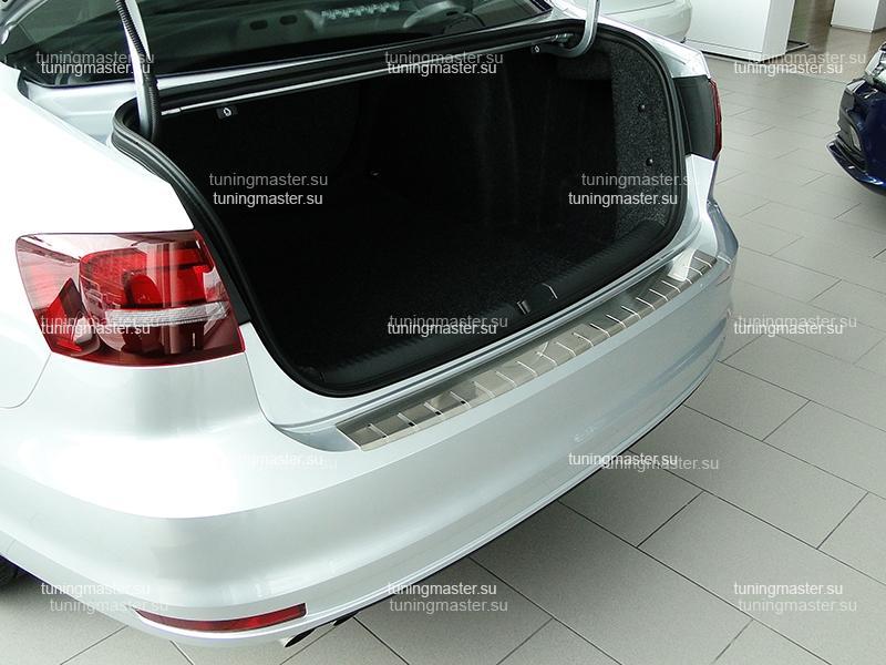 Накладка на задний бампер Volkswagen Jetta 6 профилированная с загибом