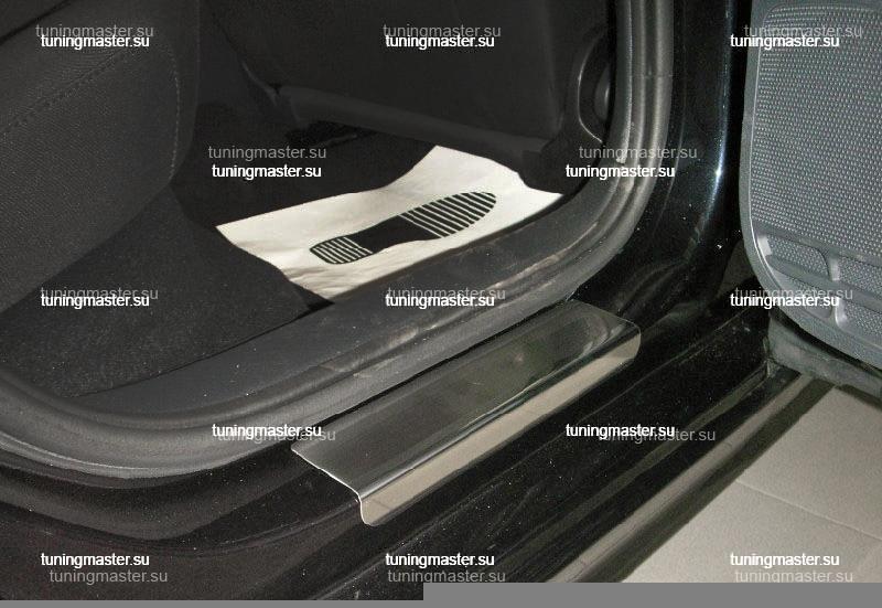 Накладки на пороги Volkswagen Jetta 6 с логотипом