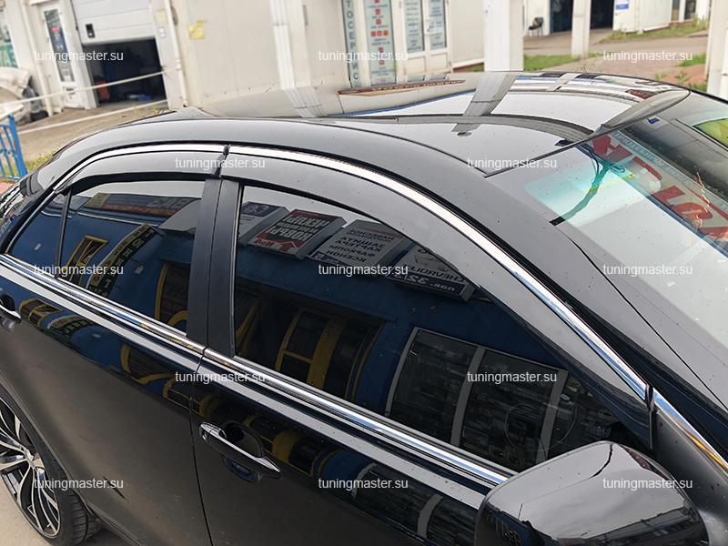 Дефлекторы боковые Toyota Camry V40 с хромированным молдингом