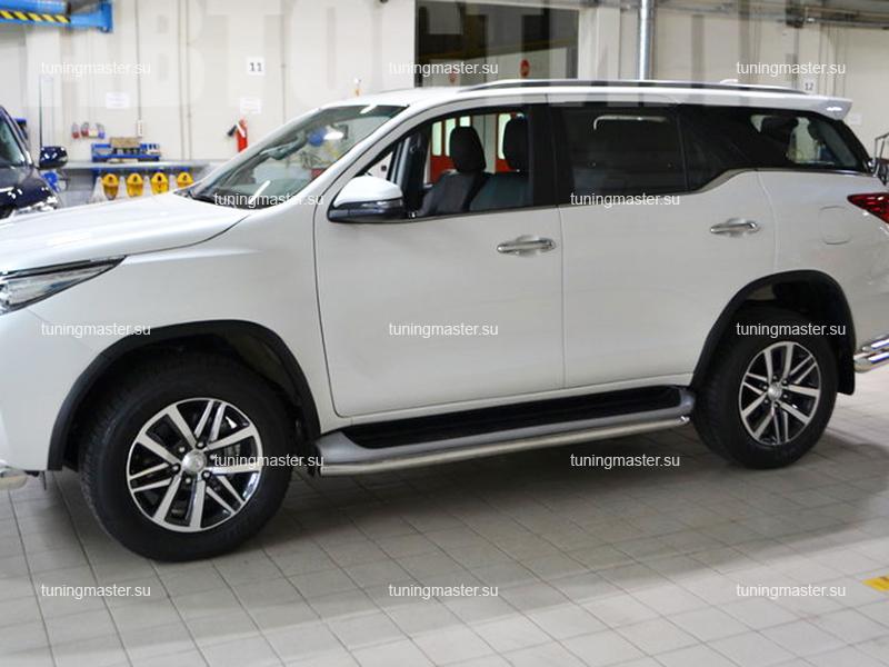 Защита штатного порога Toyota Fortuner труба Ø60