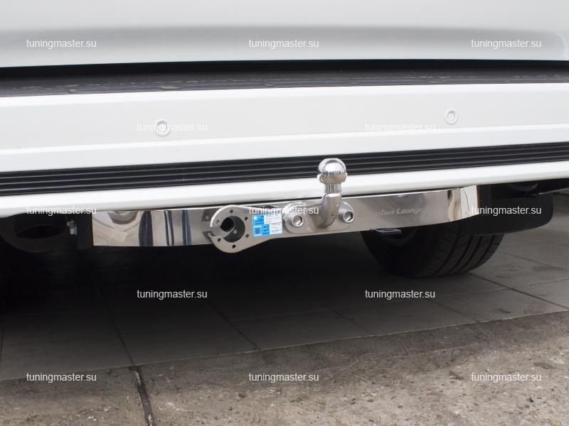 Фаркоп Toyota Land Cruiser 200 Executive Lounge с хромированной накладкой