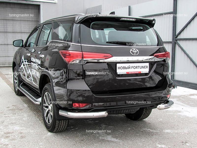 Защита заднего бампера Toyota Fortuner углы Ø76