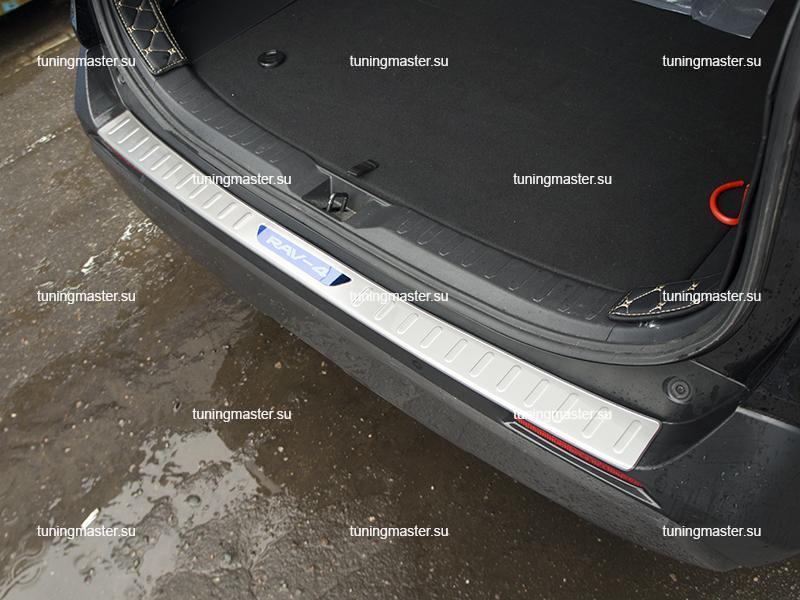 Накладка на задний бампер с загибом для Toyota Rav 4 XA50 (4)