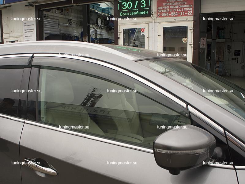 Дефлекторы боковые Nissan Murano Z52 с хромированным молдингом (3)